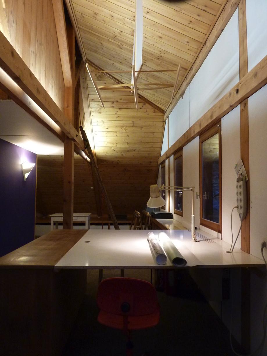 Table à dessin, espace de travail dans la maison d'architecte de Gérardmer.