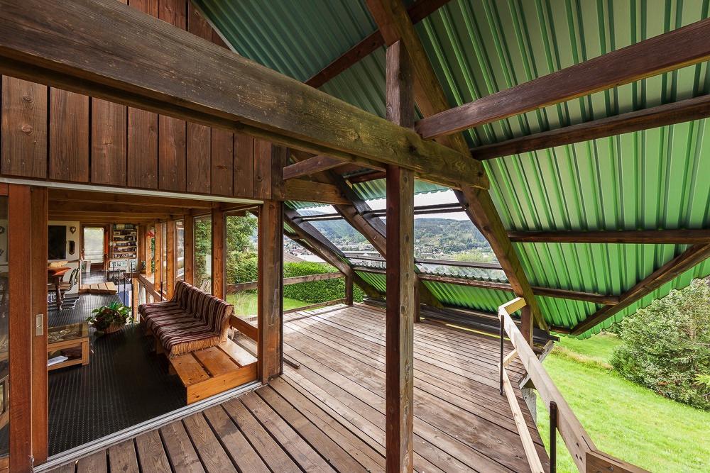 Terrasse semi-couverte à Gérardmer.